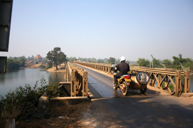A lot of one-way bridges