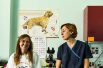 Fiona of D.O.G. and Dr. Marika, head veterinary of the Agricultural University Veterinary Clinic